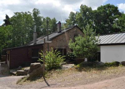 PWV-Burrweiler_Annahütte-außen-Busch